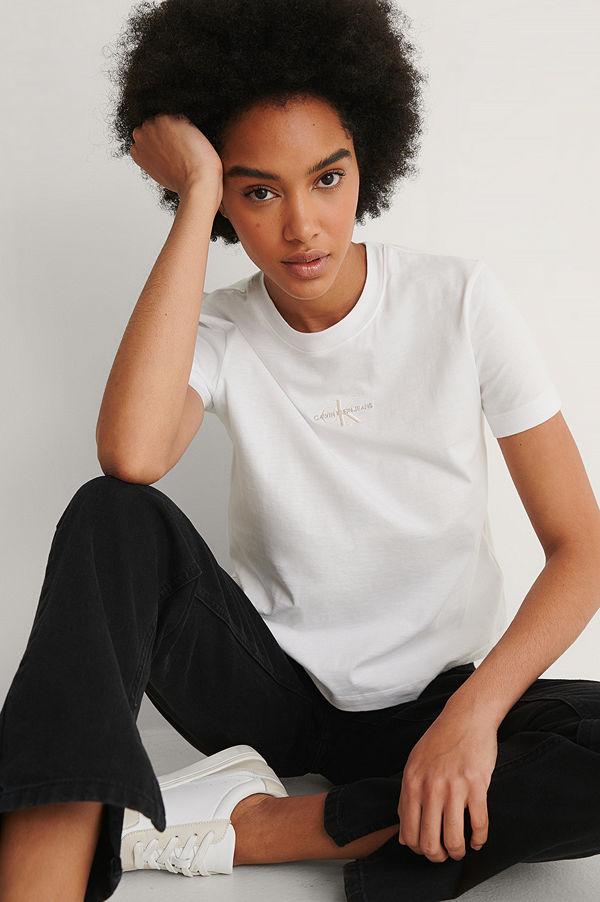 Calvin Klein Ekologisk T-shirt Med Monogramlogga vit