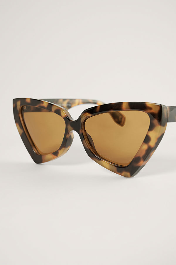 NA-KD Accessories Solglasögon Med Stor Triangel, Cateyeform brun