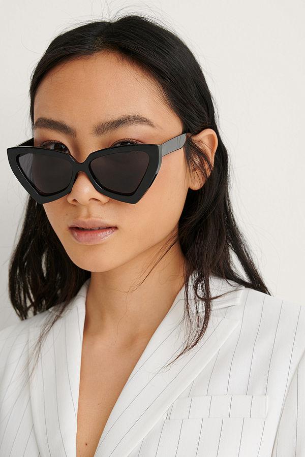 NA-KD Accessories Solglasögon Med Stor Triangel, Cateyeform svart