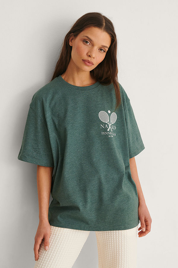 NA-KD Ekologisk T-shirt Med Tennis Club-tryck grön