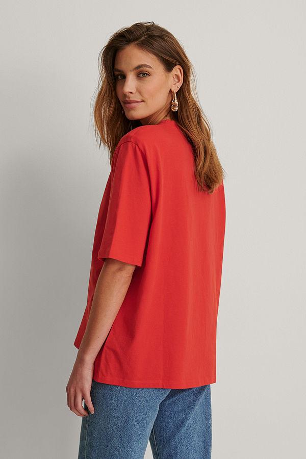 NA-KD Trend Ekologisk Boxig T-shirt Med Axelvaddar röd