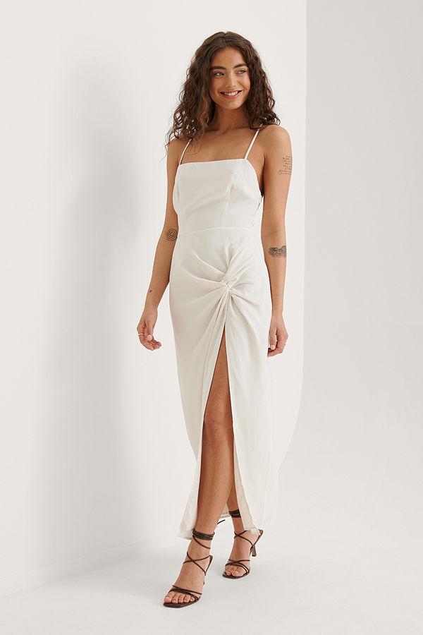 Curated Styles Recycled Maxiklänning Med Vriden Detalj vit
