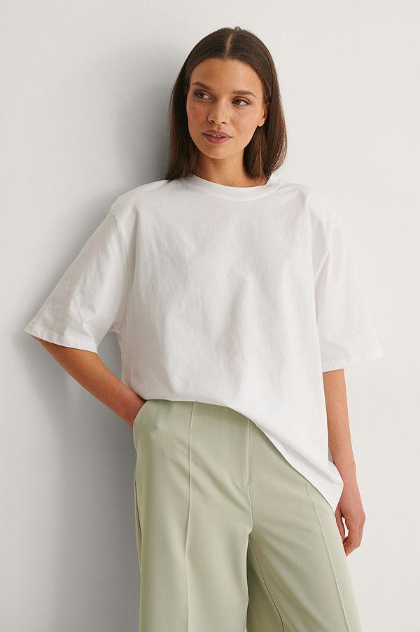 NA-KD Trend Ekologisk Boxig T-shirt Med Axelvaddar vit