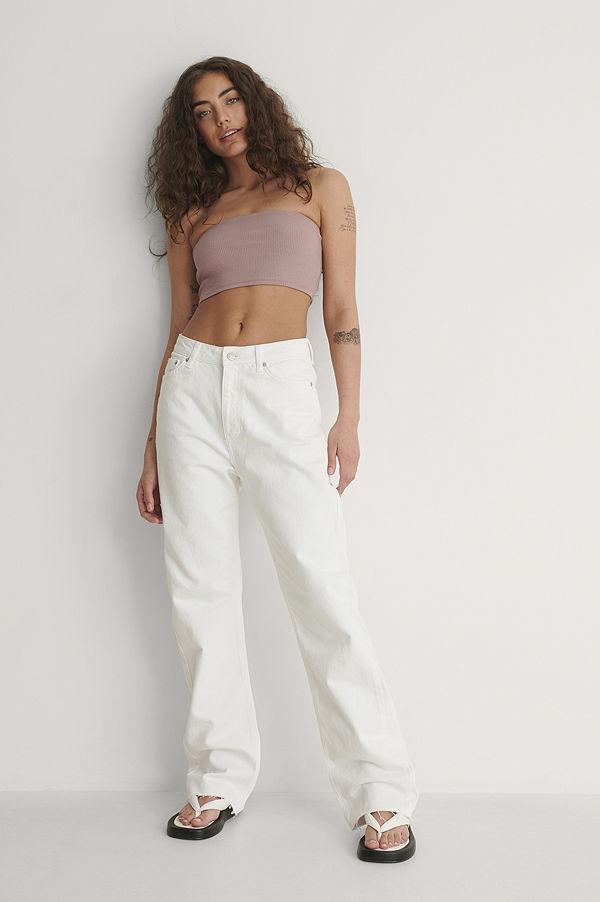 NA-KD Trend Ekologiska Raka Jeans Med Hög Midja Och Rå Fåll vit