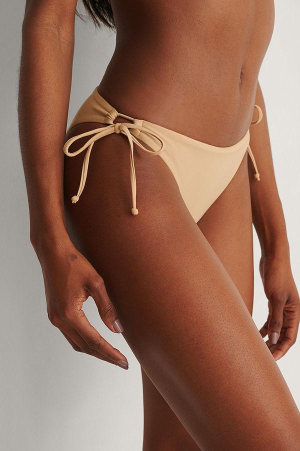 Marije Zuurveld x NA-KD Recycled Bikiniunderdel beige