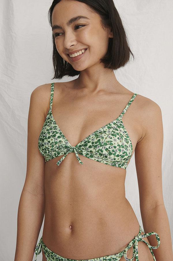 Curated Styles Recycled Bikinitopp Med Knytning Fram grön