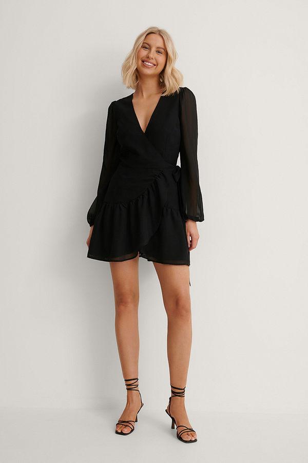 Anika Teller x NA-KD Recycled Omlottklänning Med V-ringning svart