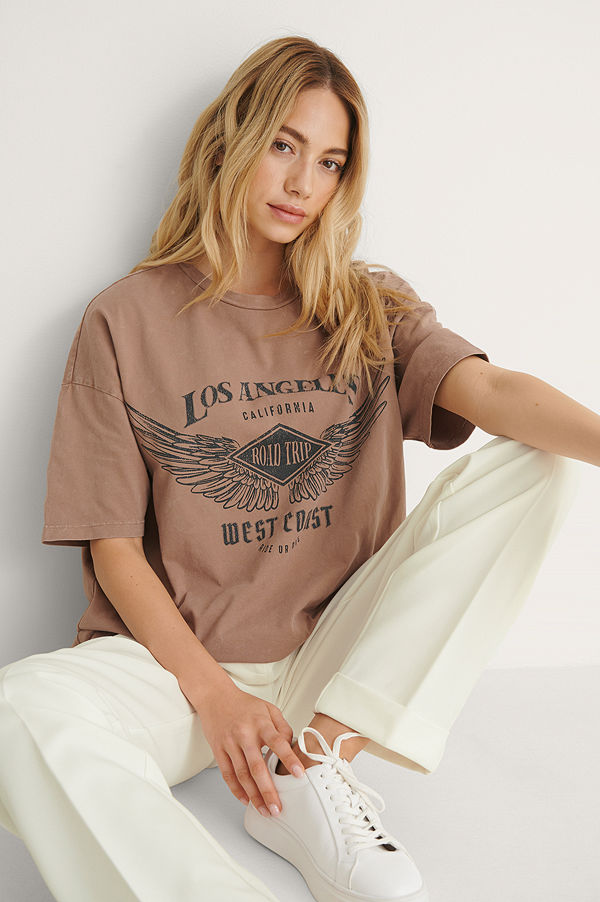 NA-KD Trend T-Shirt Med Los Angeles Tryck brun