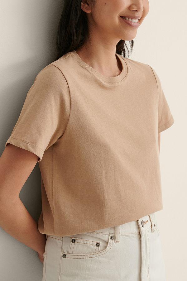 NA-KD Basic T-Shirt I Ekologisk Bomull Med Rund Hals beige