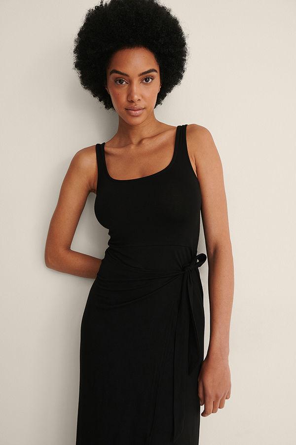 NA-KD Midklänning Med Knyt I Midjan svart
