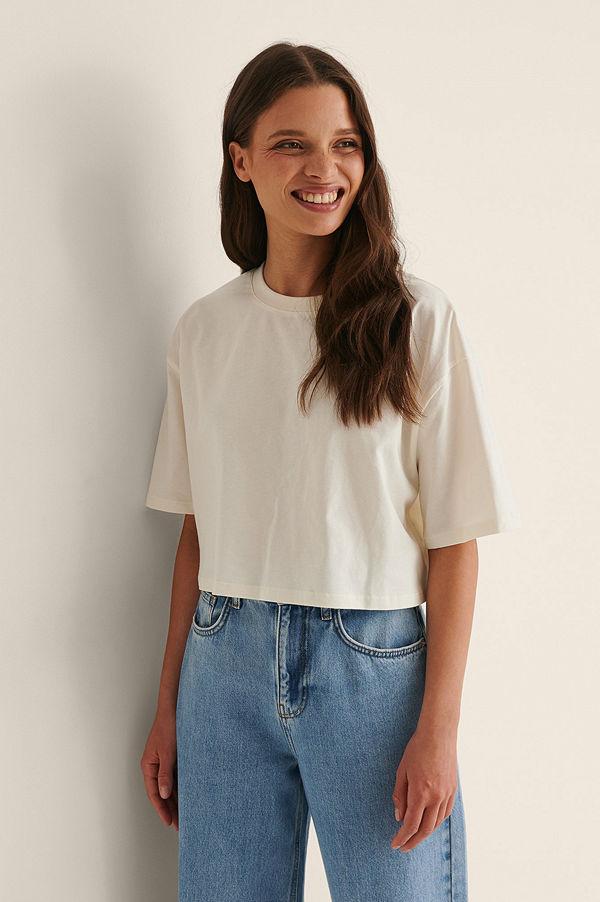 NA-KD Basic Ekologisk Croppad Oversized T-Shirt Med Rund Halsringning offvit