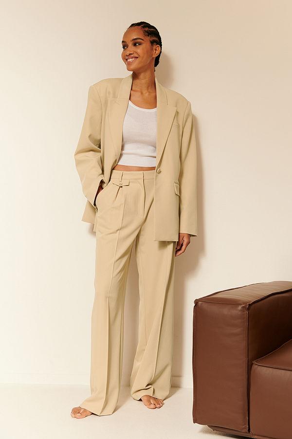 Oumayma x NA-KD gula byxor Kostymbyxa Med Fickor beige