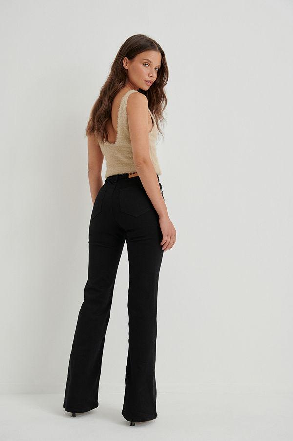 Anna Briand x NA-KD Utsvängda Jeans Med Medium Midja svart