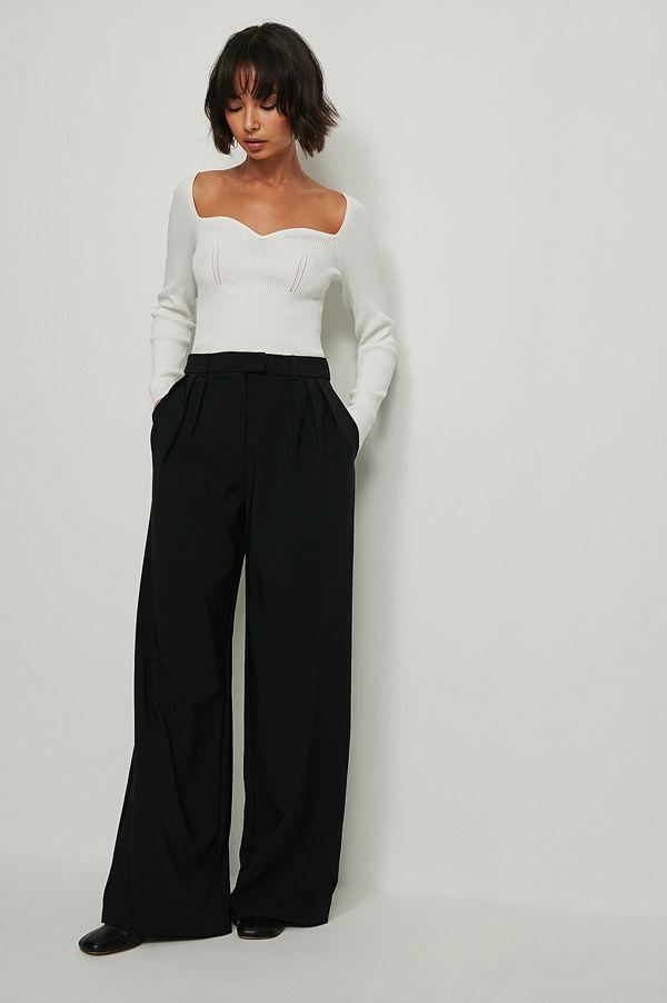 NA-KD Trend Återvunna Kostymbyxor Med Vida Ben Och Veck svart svarta
