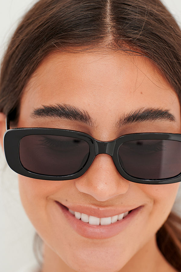 NA-KD Accessories Breda Solglasögon Med Retrobågar svart