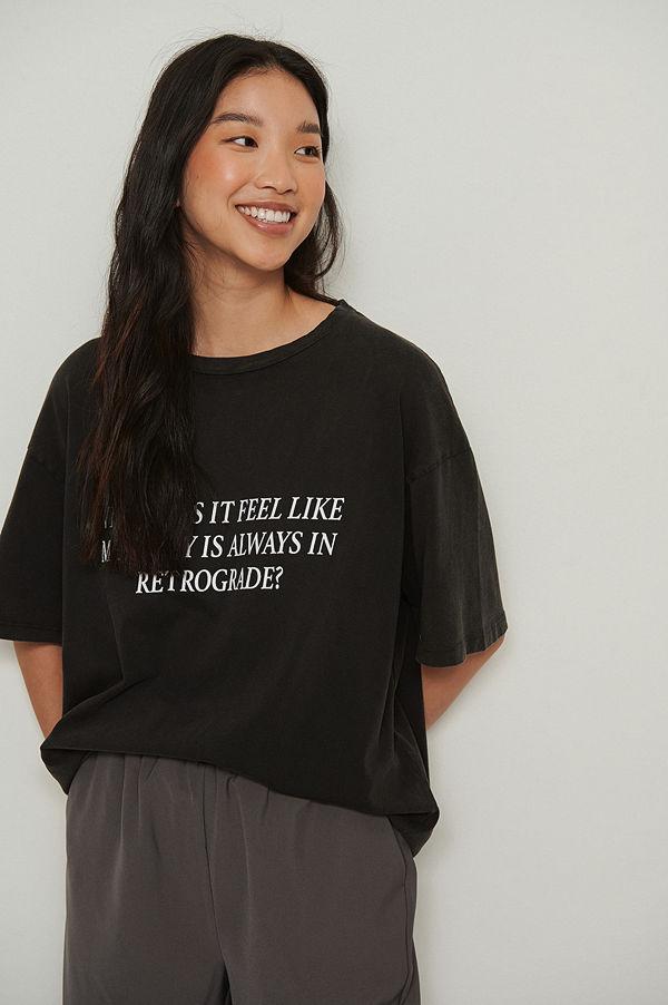 NA-KD Trend Ekologisk t-shirt med Acid Wash tryck svart