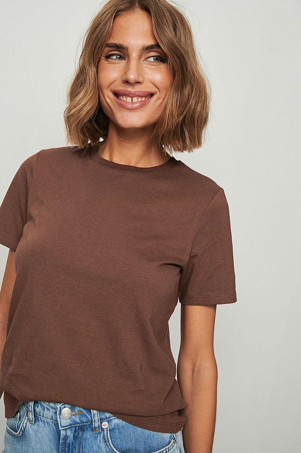 NA-KD Basic T-Shirt I Ekologisk Bomull Med Rund Hals brun