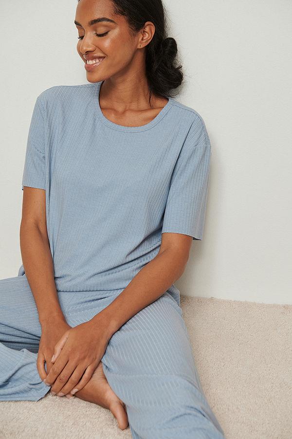 NA-KD Lingerie Återvunnen ribbad t-shirt med rå kant blå