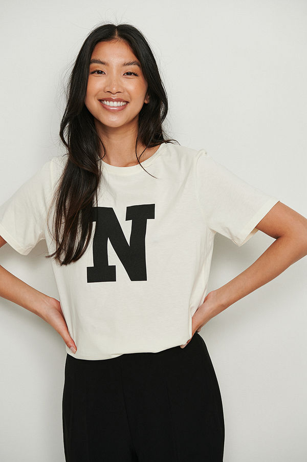 NA-KD Tryckt t-shirt offvit