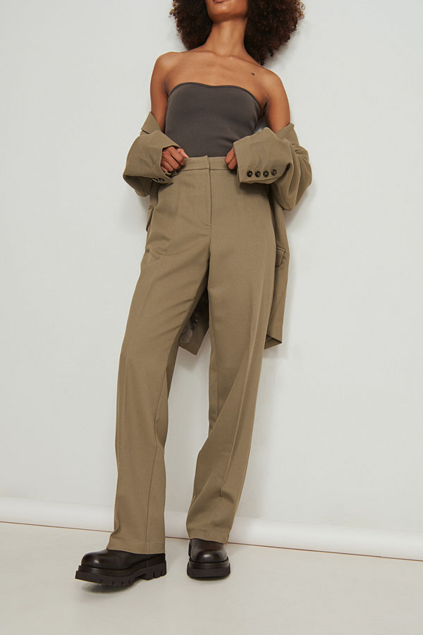 NA-KD Classic Klassiska kostymbyxor brun