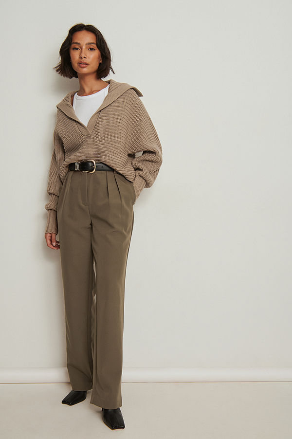 NA-KD Trend Återvunna kostymbyxor med veck och raka ben brun