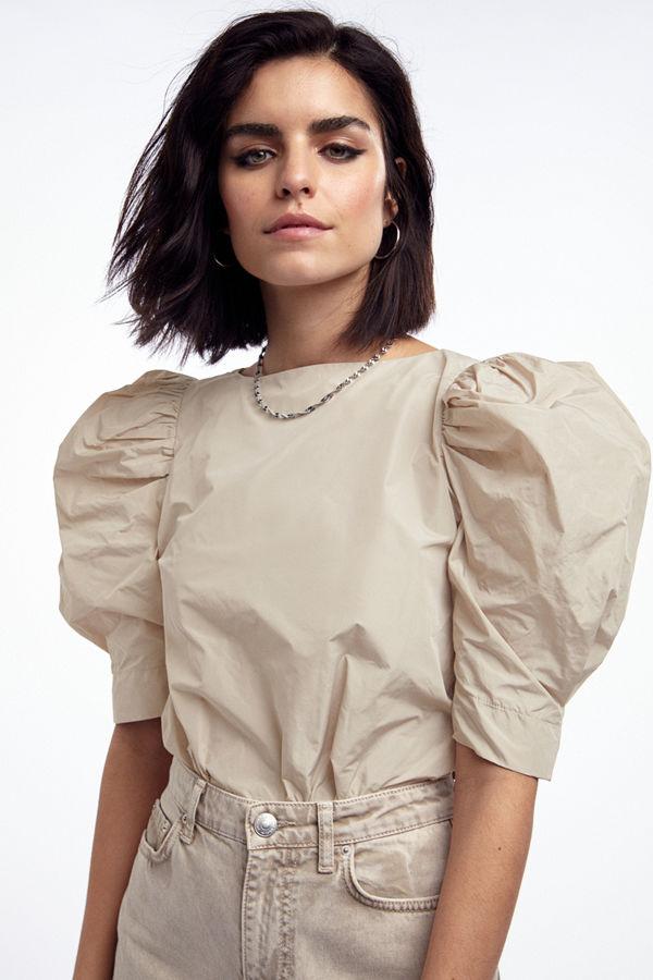 Gina Tricot Taffeta puff sleeve top