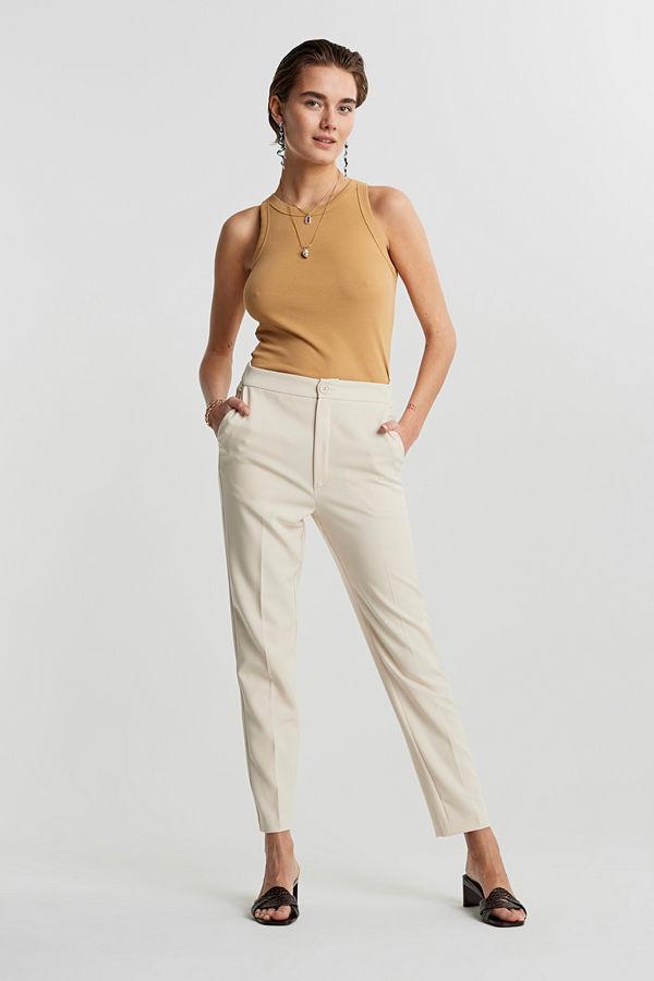 Gina Tricot omönstrade byxor Karin slacks trousers