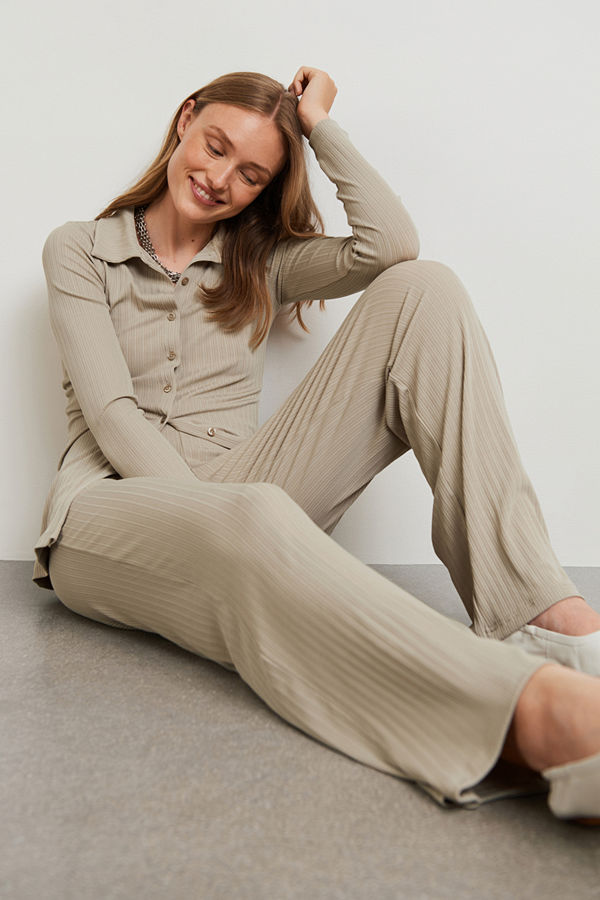 Gina Tricot omönstrade byxor Edit trousers