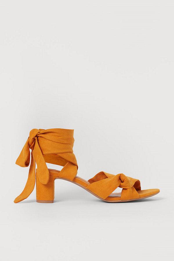 H&M Sandaletter med knytband gul