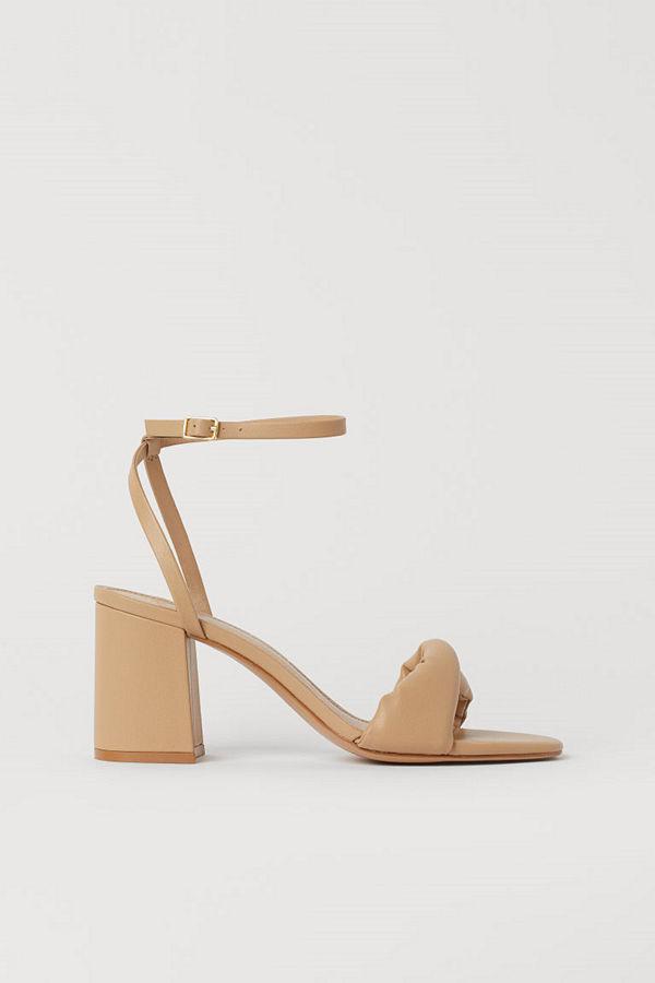 H&M Sandaletter med vriden rem beige