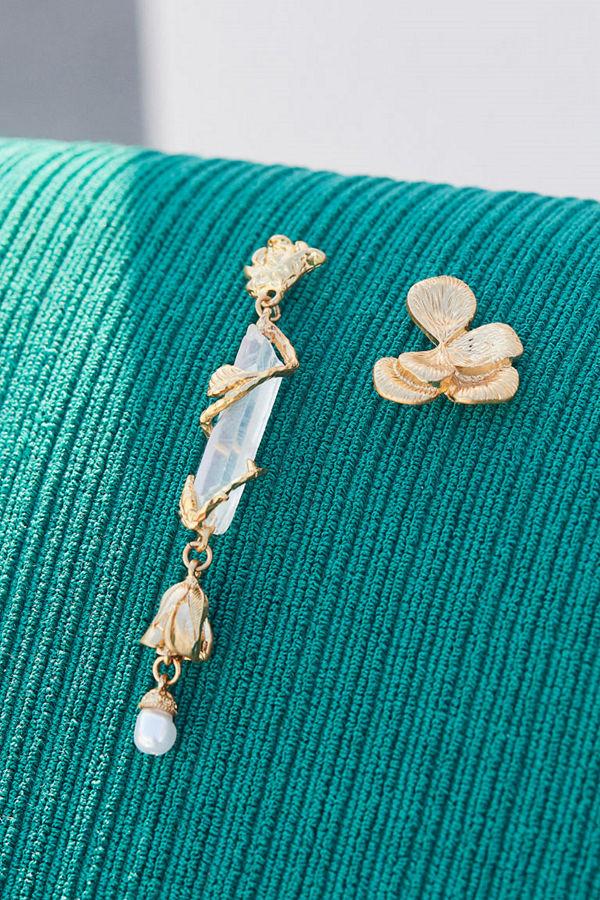 H&M Asymmetriska örhängen guld