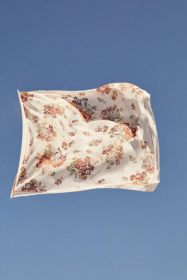 H&M Mönstrad scarf vit