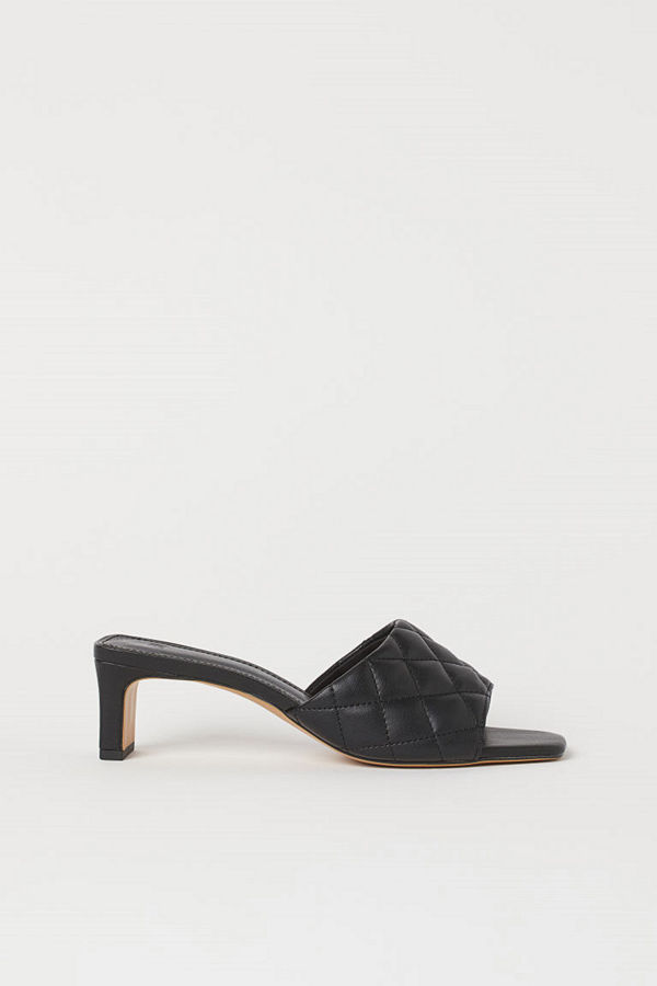 H&M Quiltade sandaletter svart