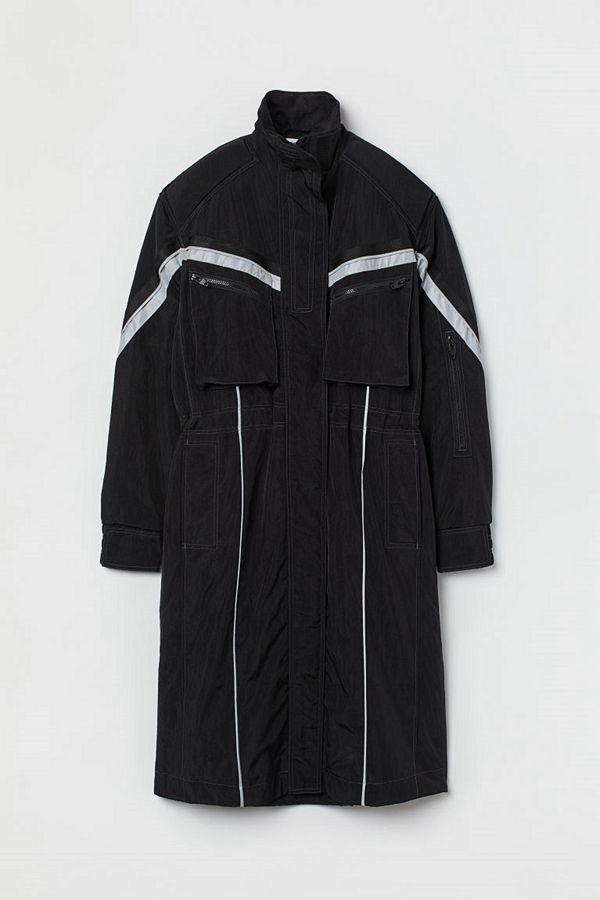 H&M Knälång nylonkappa svart