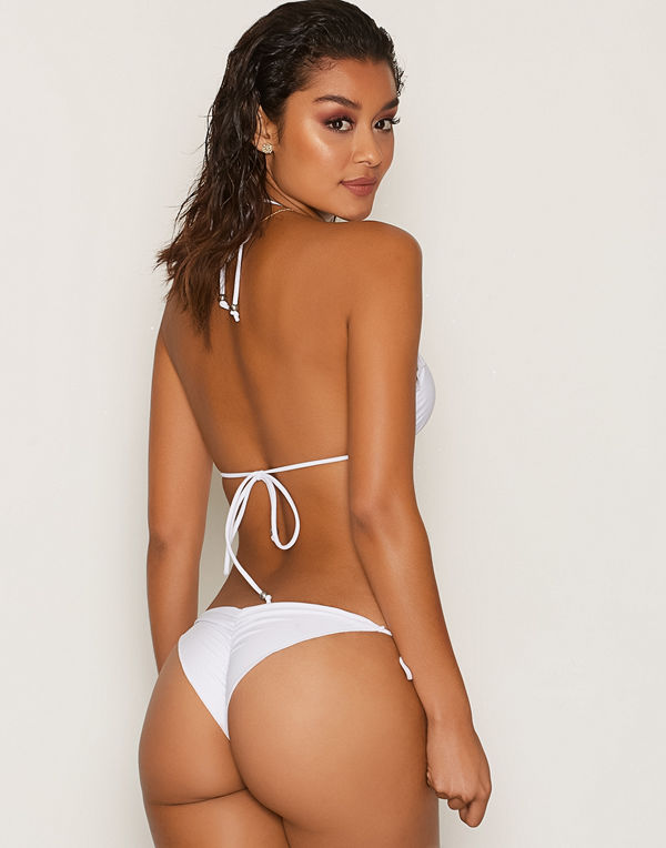 5ed3f1f3 NLY Beach Ruffle Brazilian Panty - Bikini online - Modegallerian