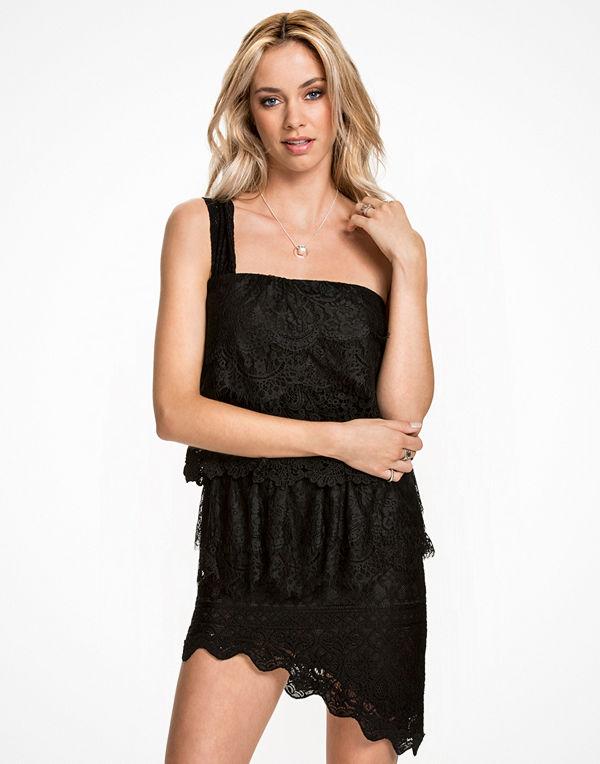 NLY ICONS Layered Lace Dress Svart