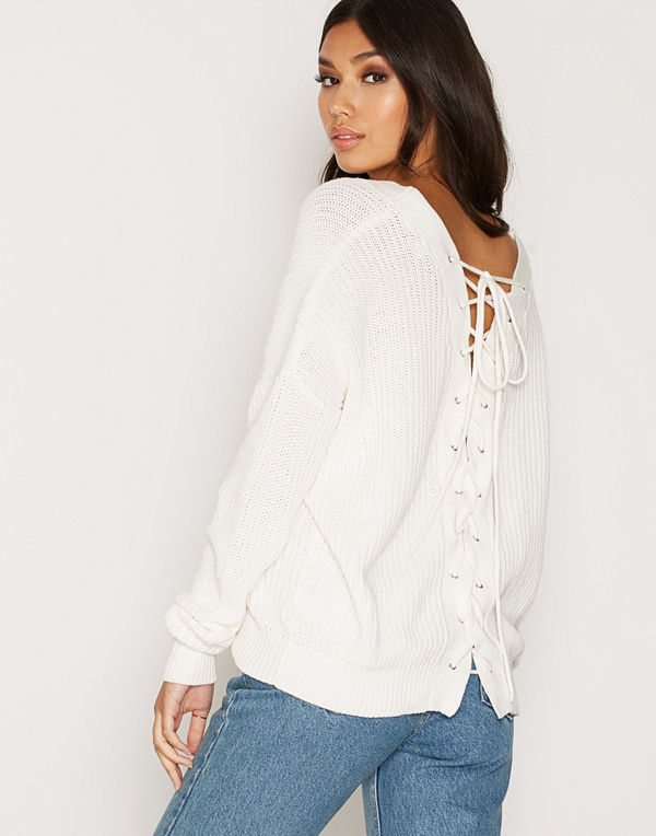 NLY Trend V-Back Lace Up Knit Vit