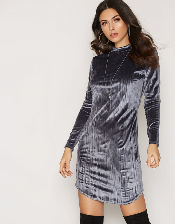 NLY Trend Crushed Velvet Polo Dress