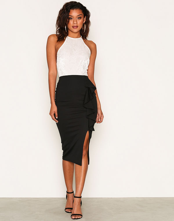 NLY One Frill Slit Skirt Svart