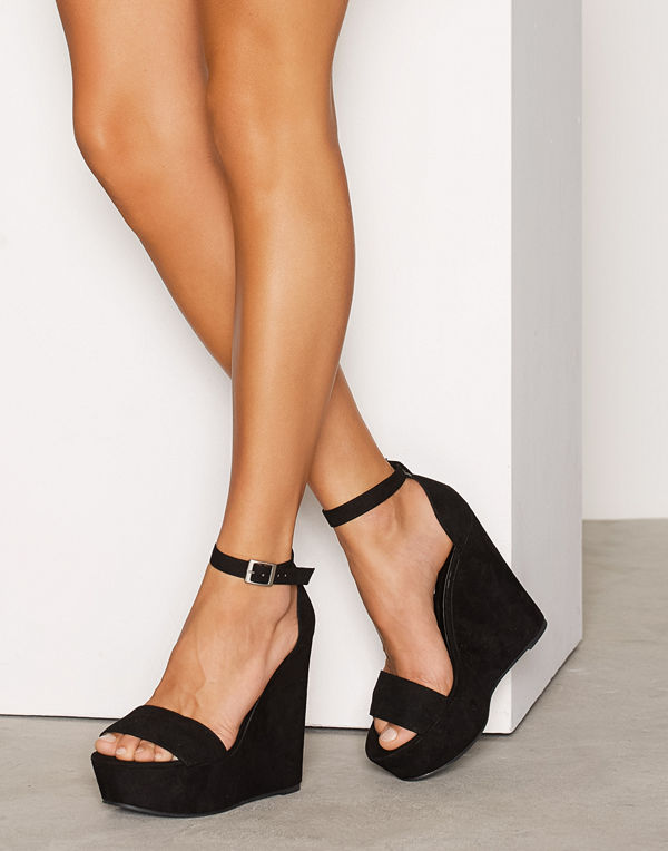 NLY Shoes Wedge Sandal Svart
