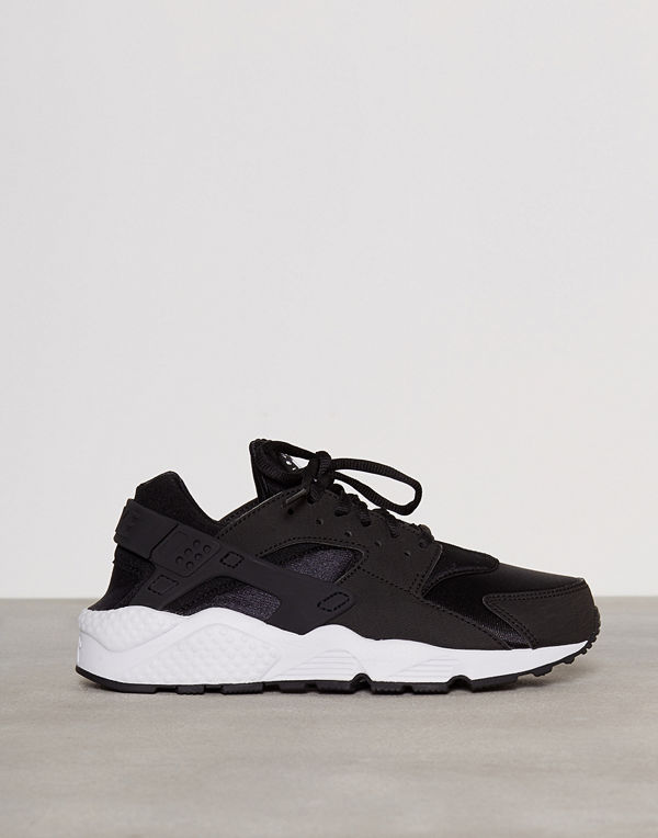 Nike Nsw Wmns Air Huarache Run Svart