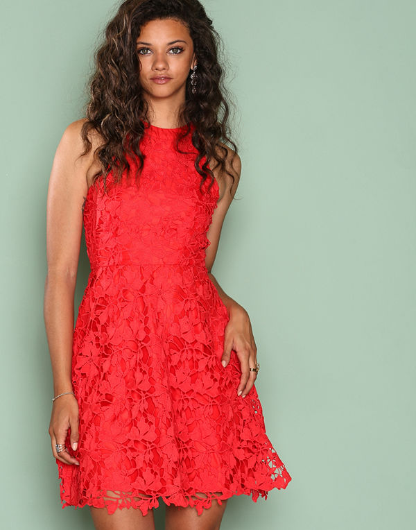 NLY Eve Scallop Lace Dress Röd