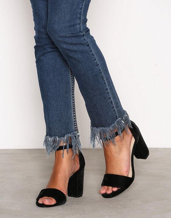 NLY Shoes Block Heel Sandal Black Velvet