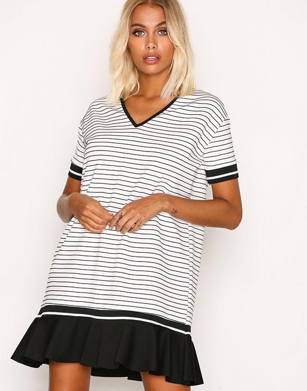 Sisters Point Cister Dress White/Black