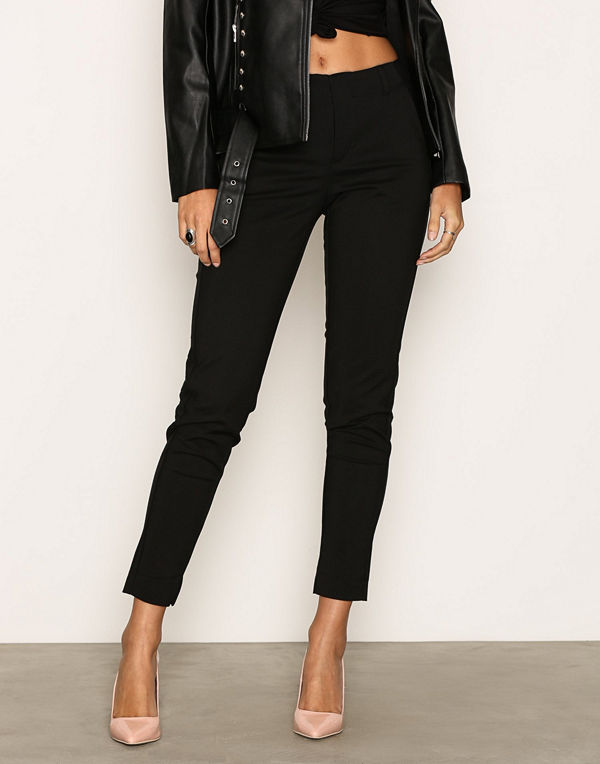 NLY Trend svarta byxor Power Slim Pants - Byxor online - Modegallerian 2fd8560f9304a