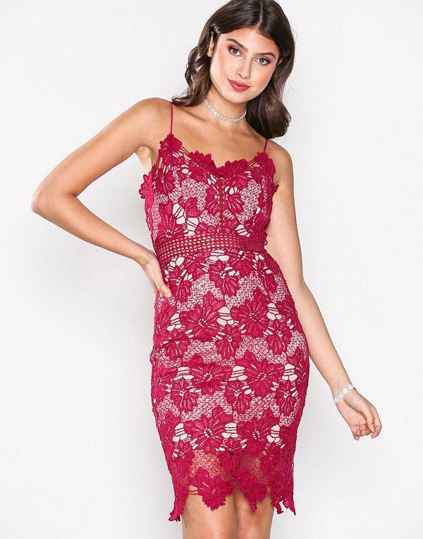 Love Triangle Dream Knee Length Dress Raspberry