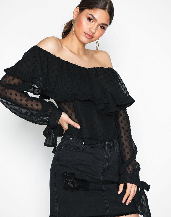 NLY Trend Frill Heaven Blouse Svart