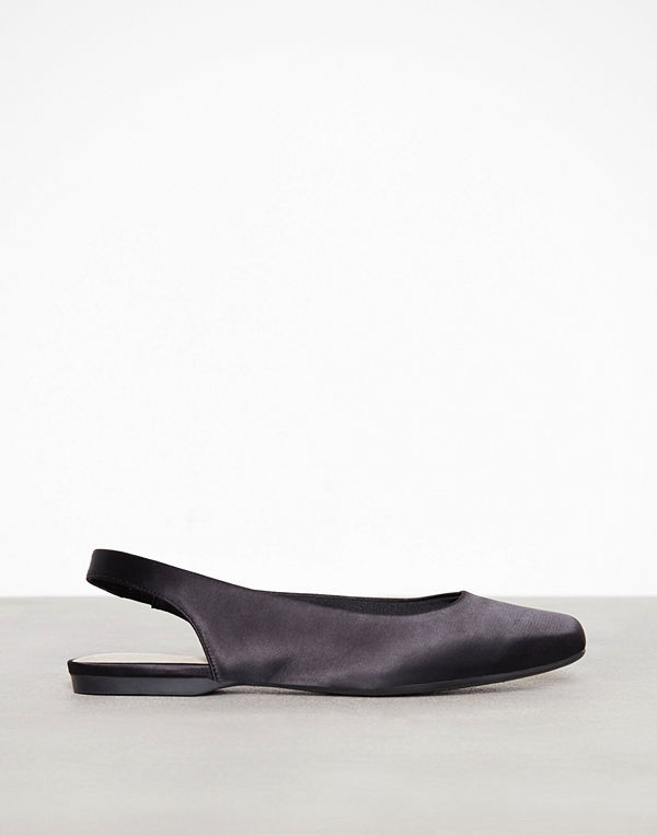 Bianco Back Strap Flat Shoe Svart