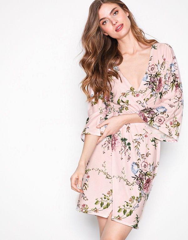 NLY Trend Kimono Mini Dress Blommig