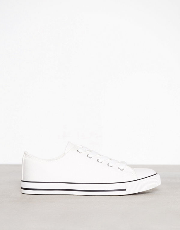 faf2ac7aa15f New Look Canvas Stripe Sole Trainers White - Modegallerian